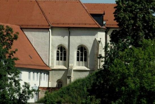 Haus mit drei Nummern an drei Straßen.