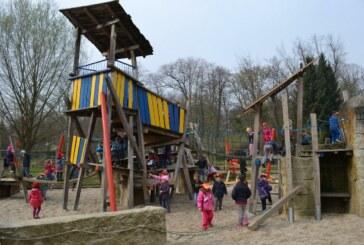 Im Schlosspark geht die Post ab.