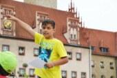 Kinder zeigen Kindern ihre Stadt