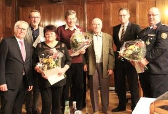 Fünf ZeitzerInnen erhalten Ehrenamtspreis