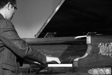 """""""Bindestriche"""". Benefiz-Klavierkonzert"""