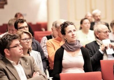 Aufmerksames Publikum