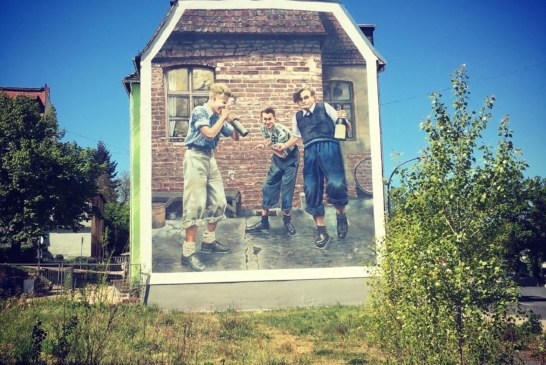 Wandbild Mural III wird eingeweiht