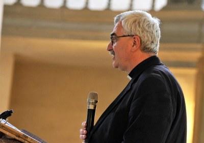 Pfarrer Friedrich eröffnet